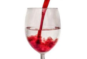 水とワインのまじり画像